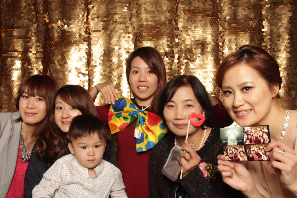 new-york-photo-booth-janes-carousel-dumbo-brooklyn-wedding-084